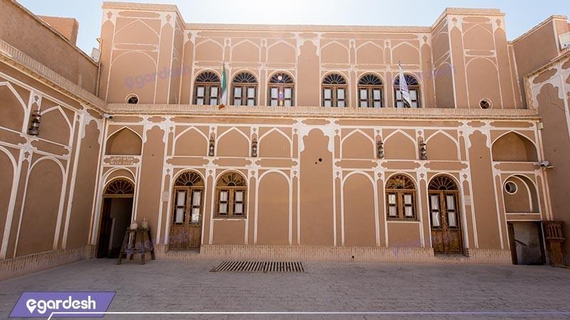 نمای ساختمان هتل سنتی مهر