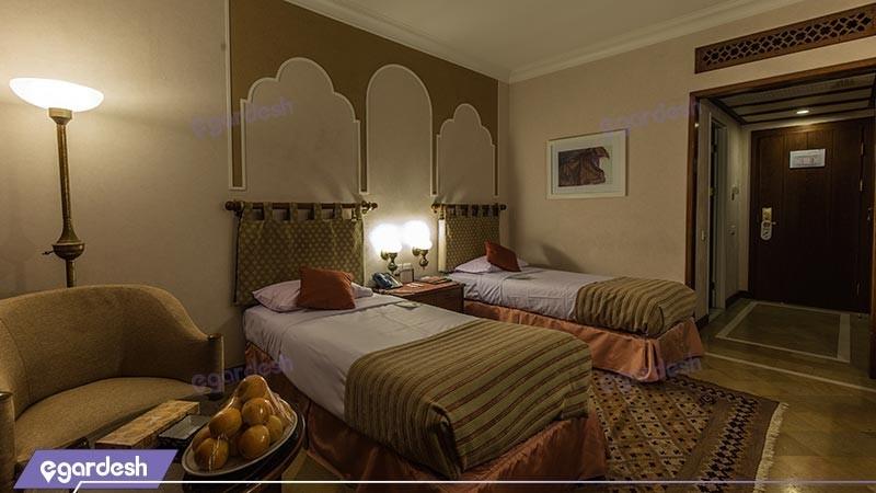 اتاق دو تخته توئین هتل جدید هتل پارسیان صفائیه
