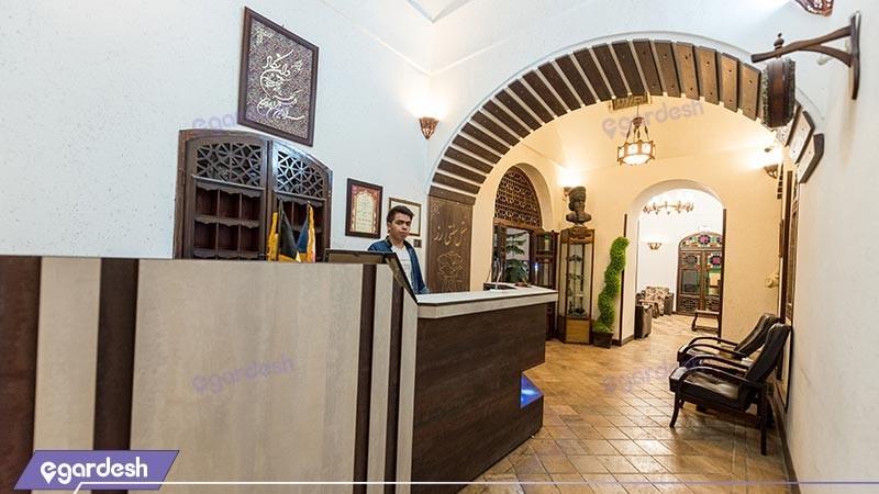 پذیرش هتل سنتی رز