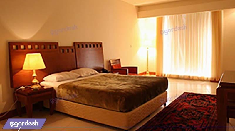 اتاق دبل هتل بزرگ زنجان