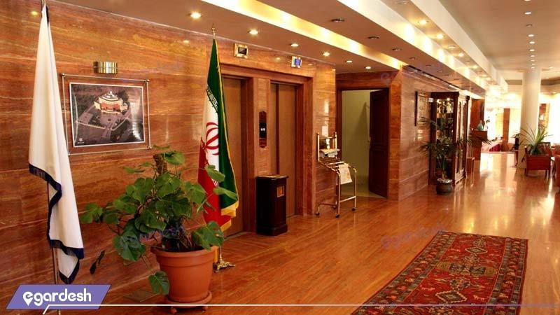 آسانسور هتل بزرگ زنجان