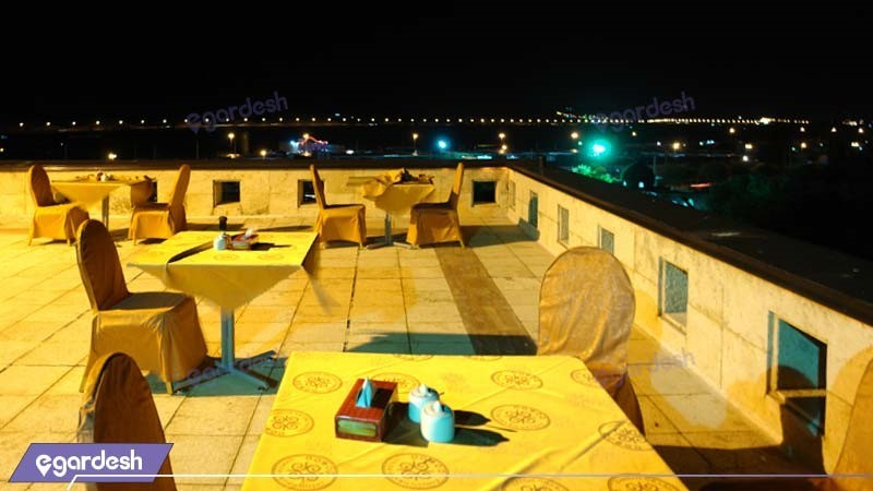 رستوران بام هتل بزرگ زنجان