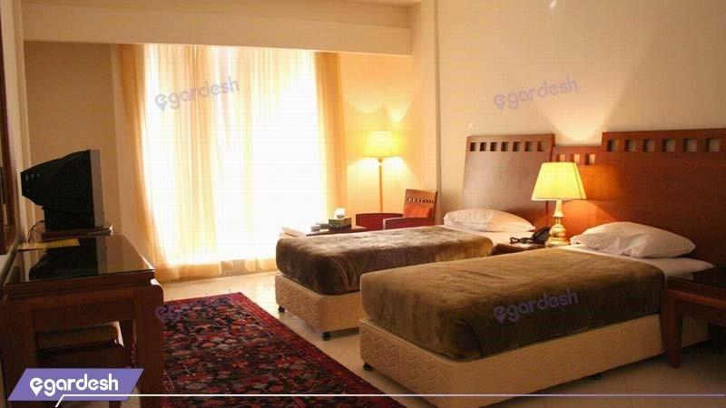 اتاق دو تخته هتل بزرگ زنجان