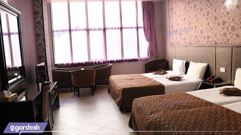 اتاق چهار تخته هتل باباطاهر