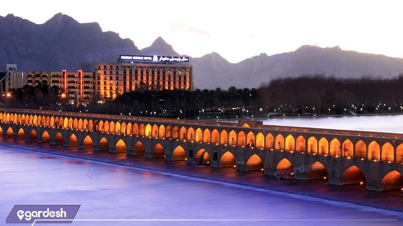 نمای هتل پارسیان کوثر
