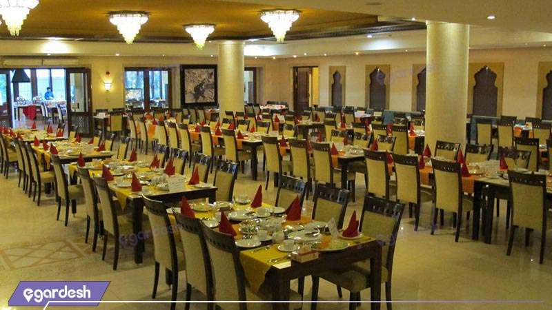 رستوران هتل پارسیان صفائیه