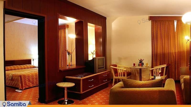 سوئیت سه تخته هتل پارسیان آزادی آبادان