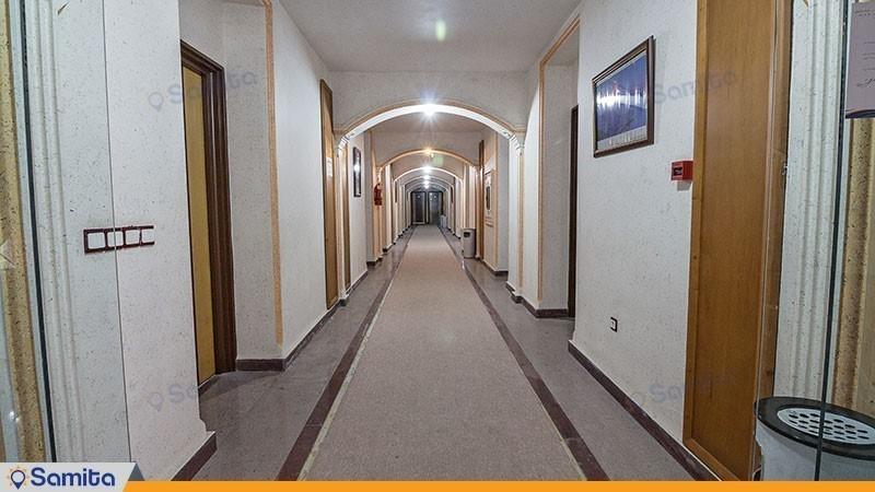 راهرو هتل ساحلی مروارید صدرا