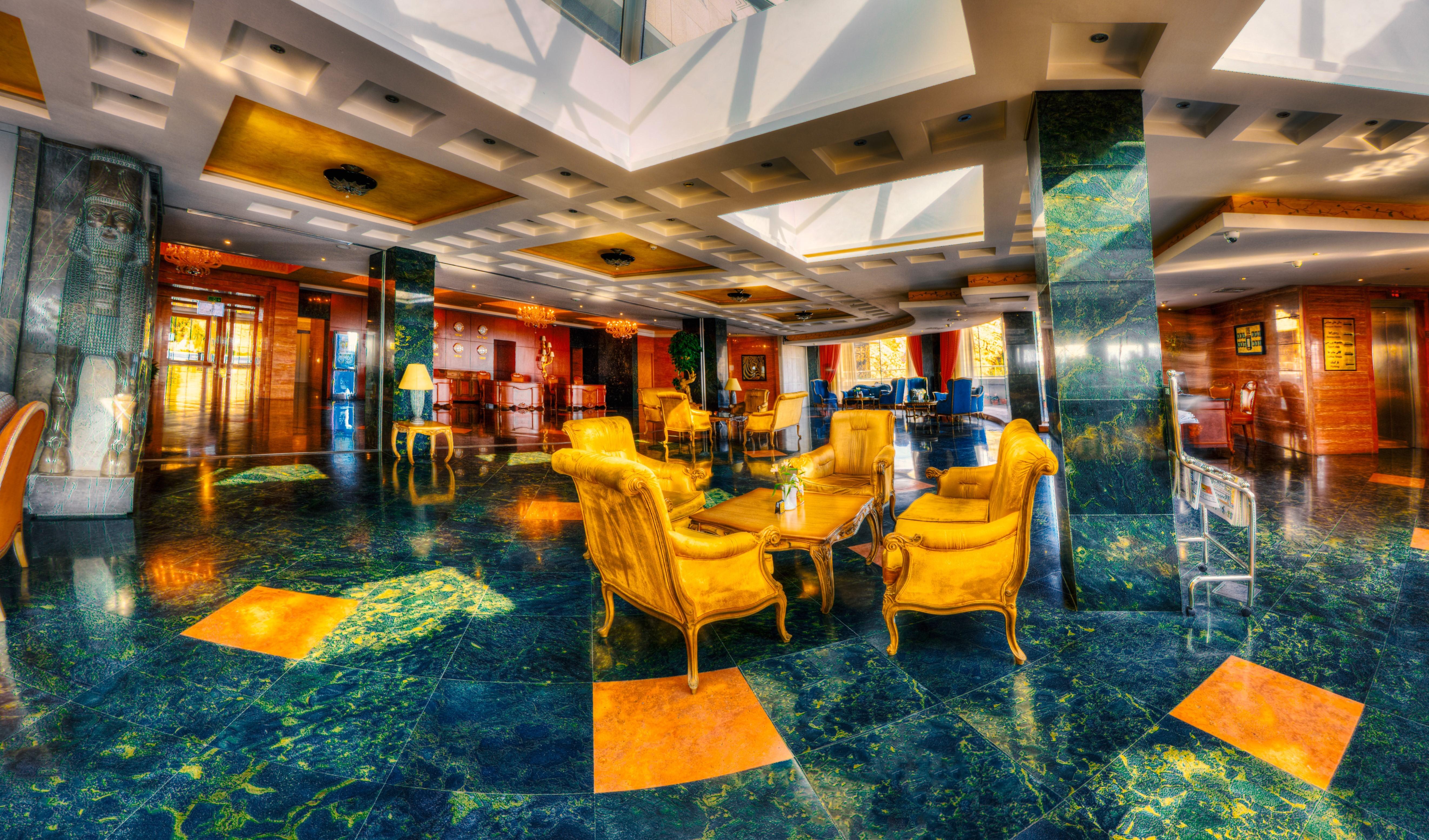 لوبي فندق الكبير شيراز