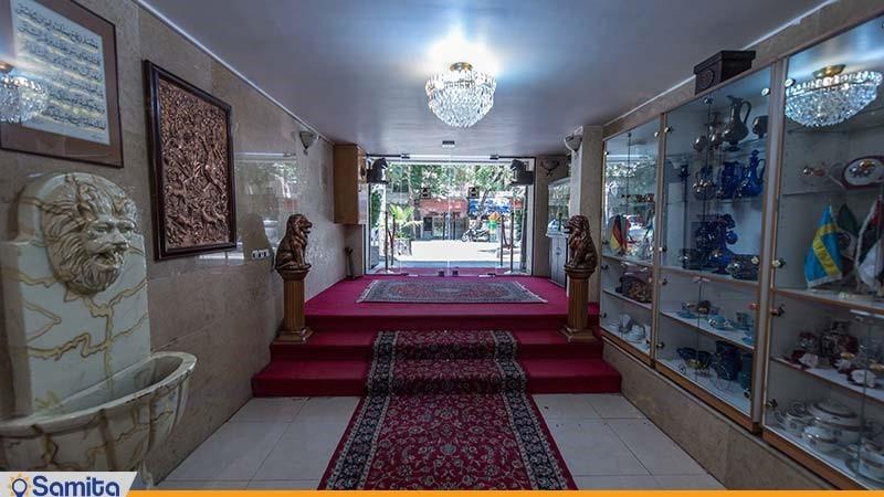 ورودی هتل ملک