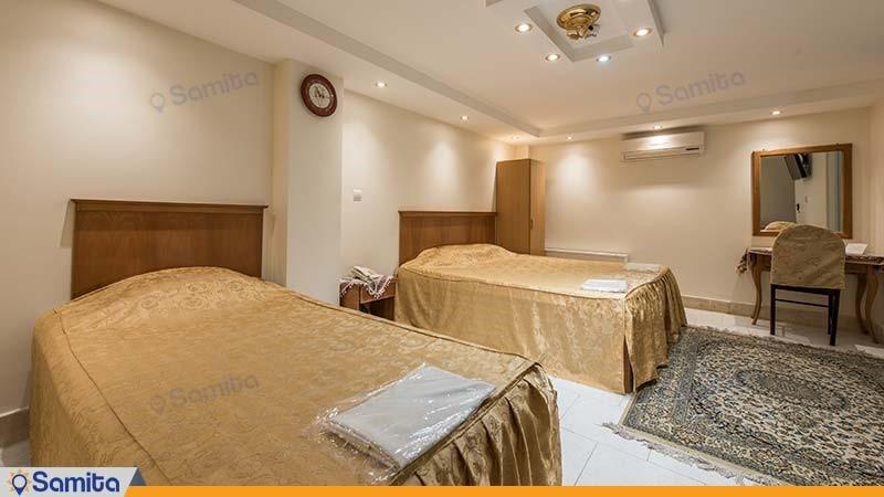 اتاق سه تخته هتل ملک