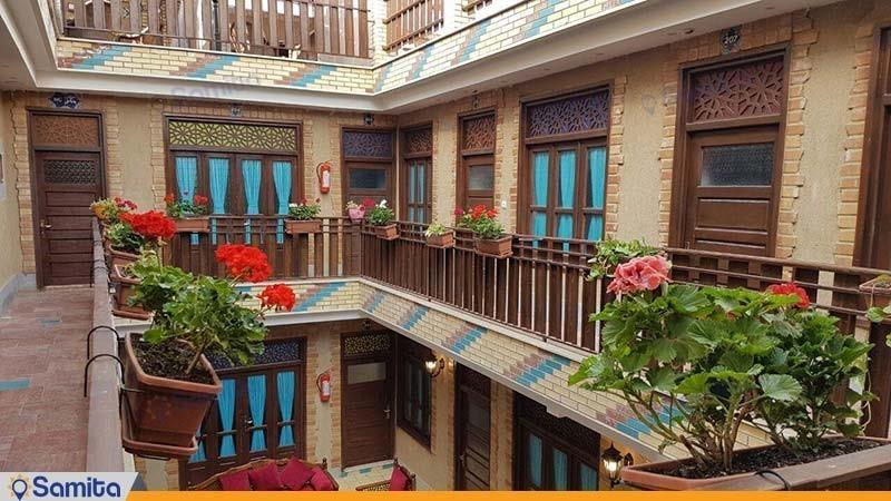 نمای ساختمان هتل سنتی اردیبهشت