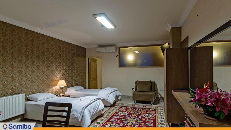 سوئیت یک خوابه چهار نفره هتل زنده رود