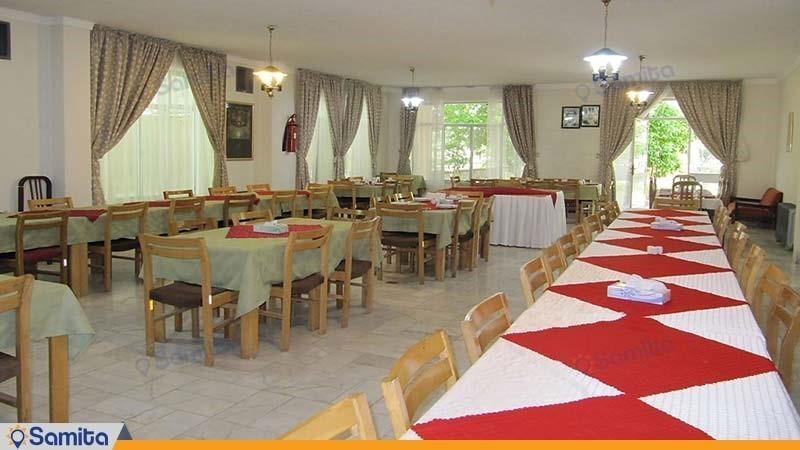 رستوران مهمانسرا جهانگردی استهبان
