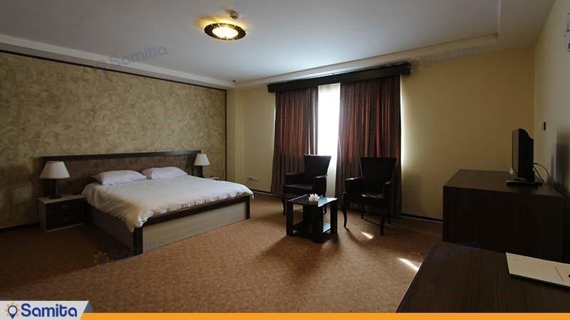 اتاق دبل vip هتل مزرعه معین