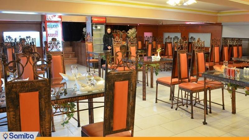 رستوران هتل آذین