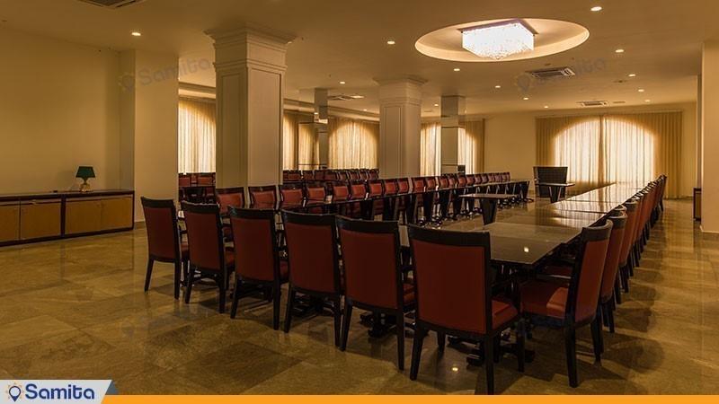 سالن کنفرانس هتل قصر بوتانیک