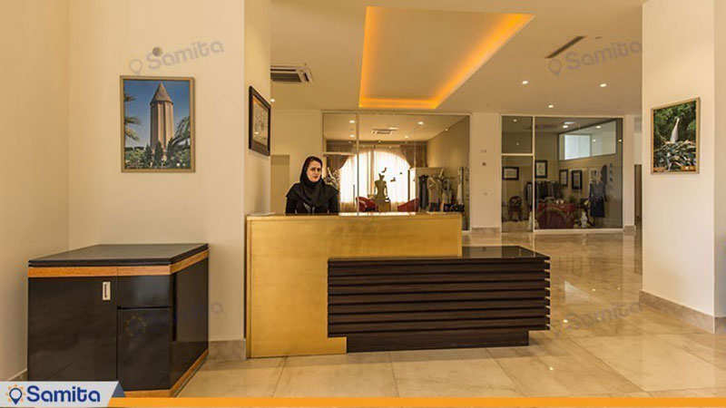پذیرش هتل قصر بوتانیک