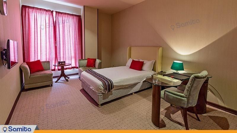 اتاق یک تخته هتل قصر بوتانیک