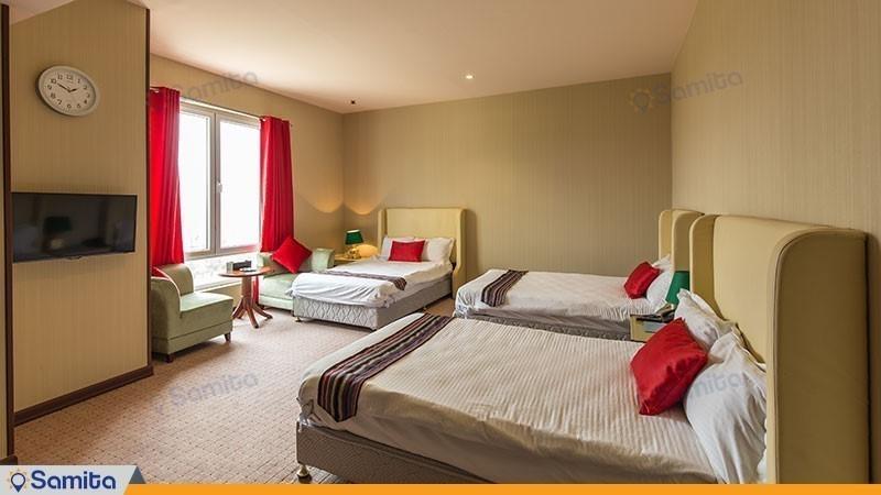 اتاق سه تخته هتل قصر بوتانیک
