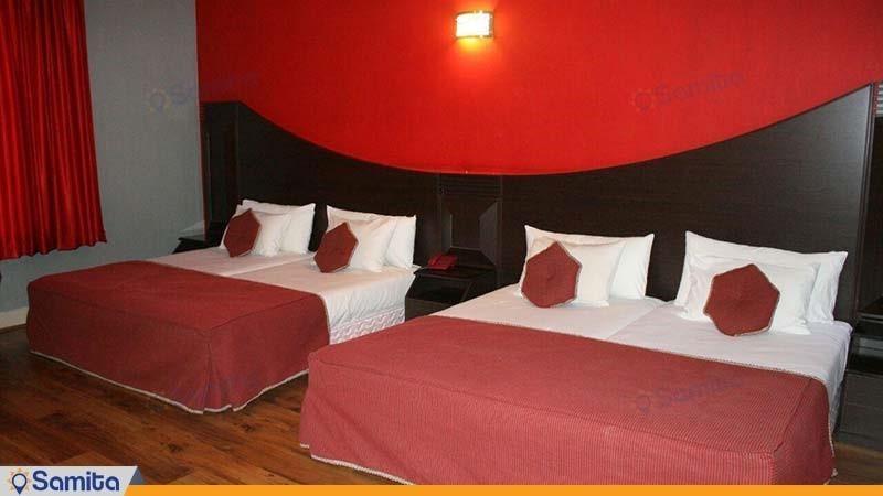 اتاق چهار نفره هتل بین المللی بابا طاهر همدان
