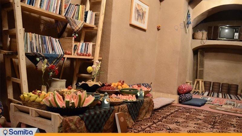 کافه کتاب هتل سنتی خونه نقلی