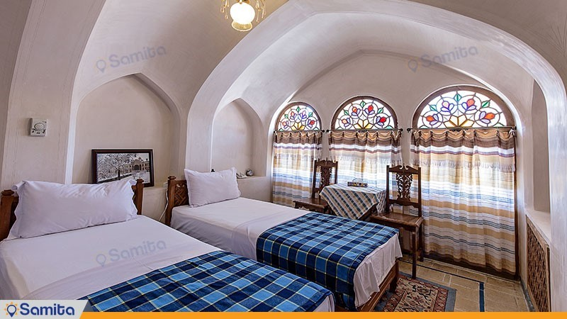 اتاق دو تخته هتل سنتی مهین سرای راهب