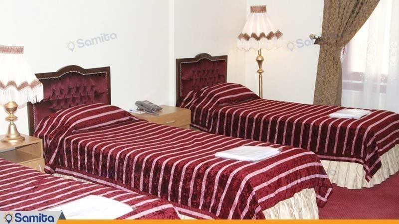 اتاق سه تخته هتل جمشید کرمانشاه