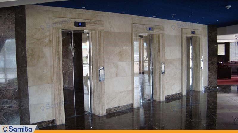 آسانسور هتل پارسیان کرمانشاه
