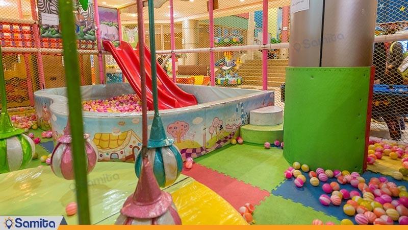 اتاق بازی هتل رنگین کمان