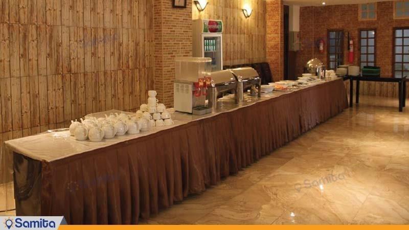 رستوران هتل گاردنیا