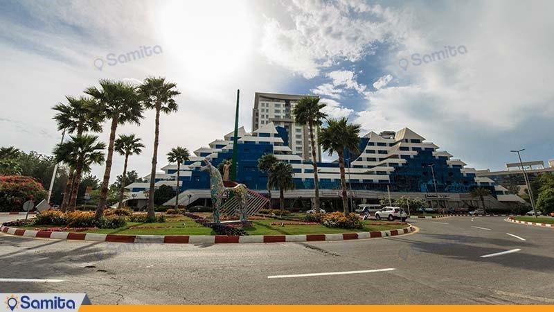 نمای ساختمان هتل پارمیس