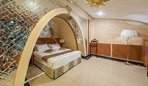 اتاق عروس و داماد هتل پارمیس