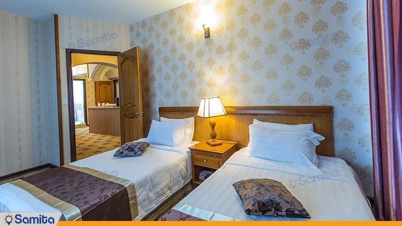 سوئیت دو خوابه رو به دریا هتل پارمیس