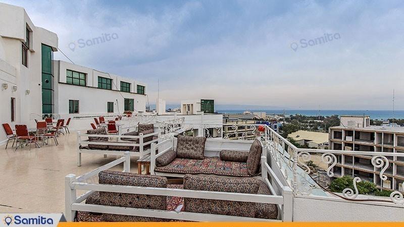 محوطه نشیمن پشت بام هتل شایگان