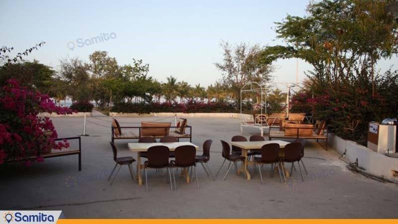 محوطه نشیمن فضای باز هتل تاپ رز