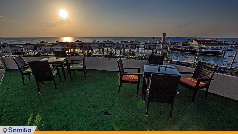 رستوران فضای باز هتل دریایی ترنج