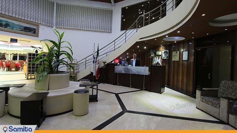 پذیرش هتل جهانگردی لاهیجان