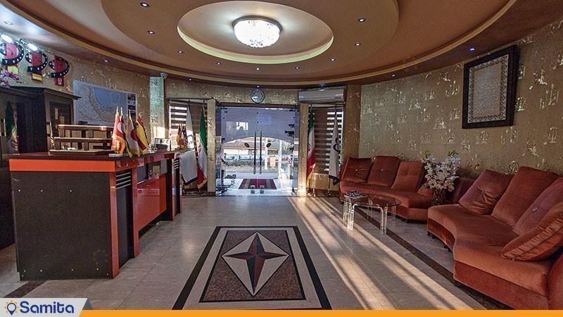 لابی هتل ماندگار