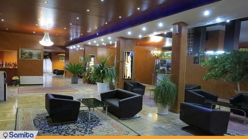 لابی هتل جهانگردی آبگرم