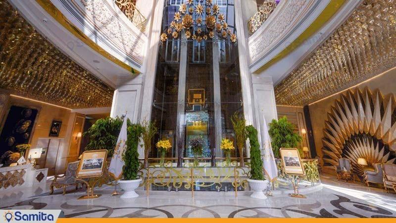 ورودی هتل الماس 2
