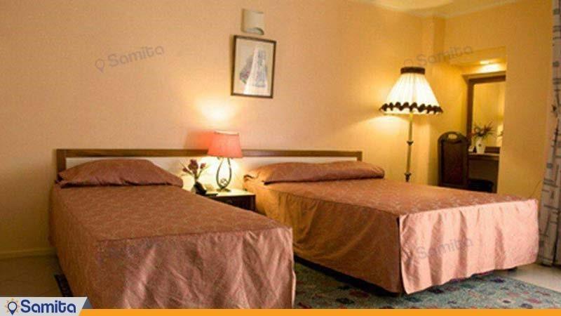 اتاق سه تخته هتل بزرگ فردوسی