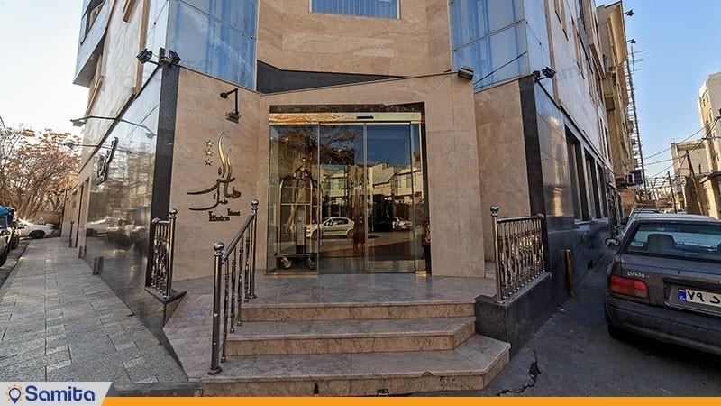 ورودی هتل هاترا