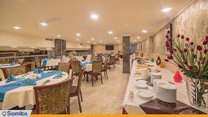 رستوران هتل ایران زمین
