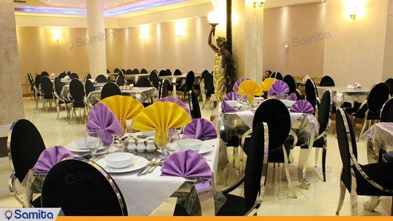 رستوران هتل منجی