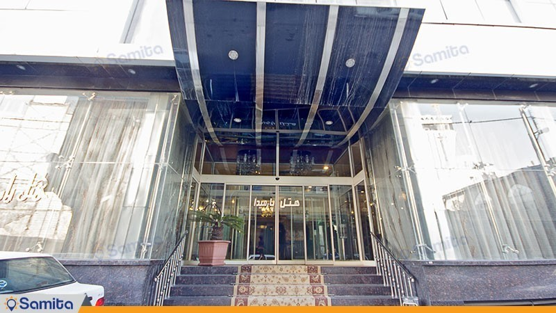 ورودی هتل پارمیدا