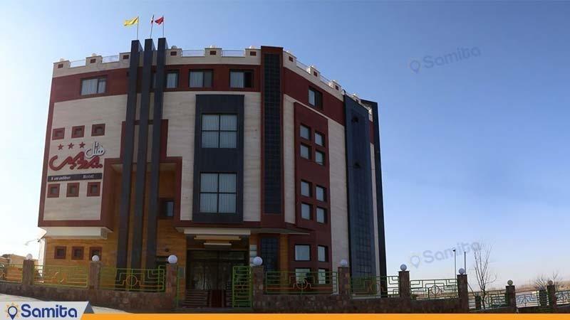 نمای ساختمان هتل ساحلی پردیس