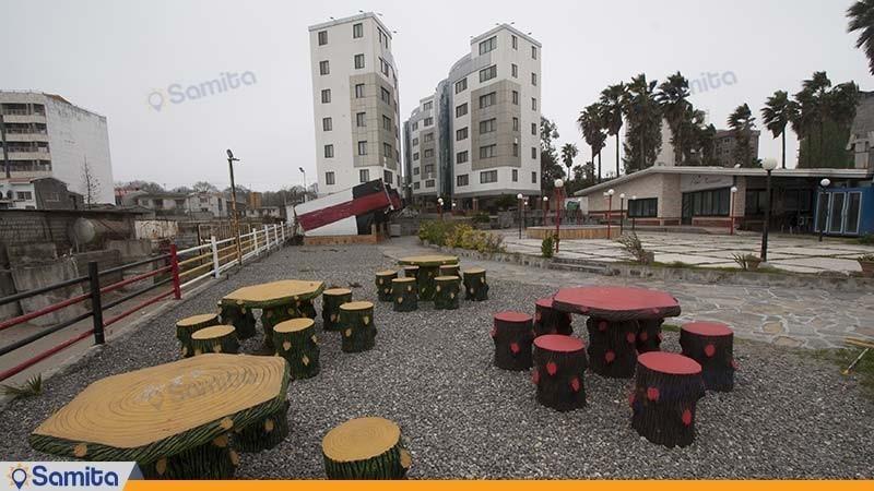 محوطه نشیمن فضای باز هتل آپارتمان آریان نور