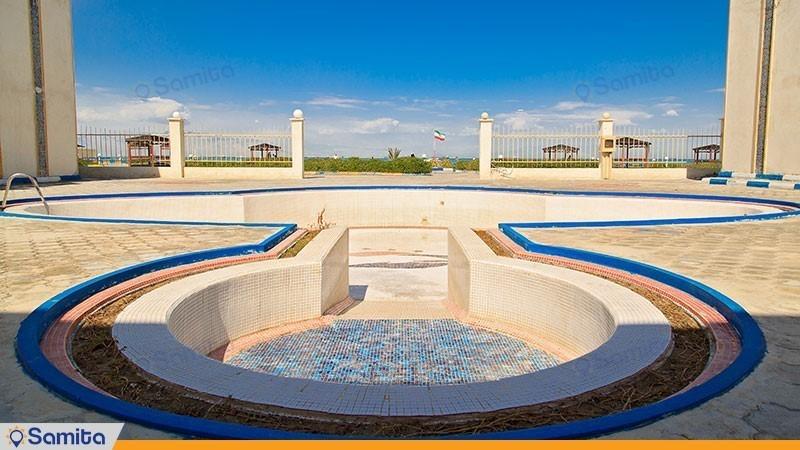 استخر فضای باز هتل ساحلی خلیج فارس