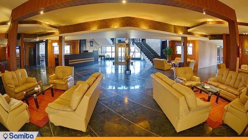 لابی هتل پولاد کف
